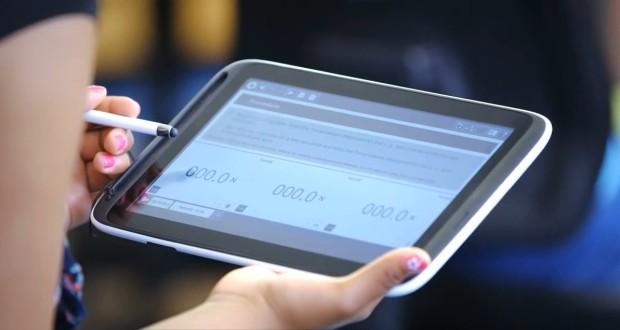 Intel разработала школьные планшеты