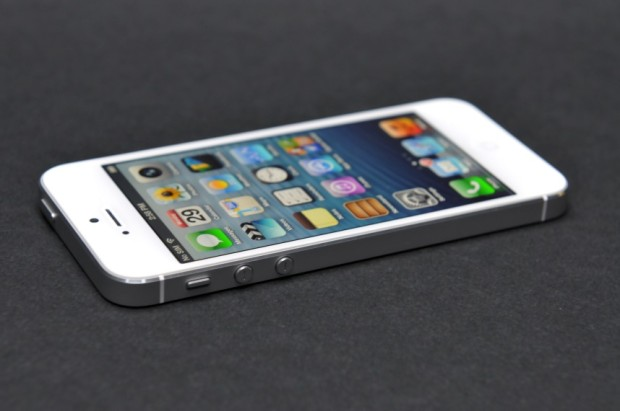 Apple может продать до 13 млн iPhone 5S и 5C всего за 10 дней