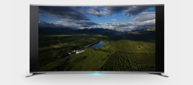 Sony выпустила первый в мире изогнутый LED-телевизор