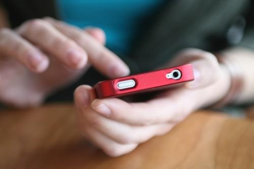 Защищать смартфоны паролями стали намного чаще