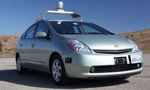 Google запускает производство самоуправляемых автомобилей