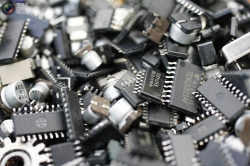 Китай снимет любые ограничения на экспорт электроники в Россию