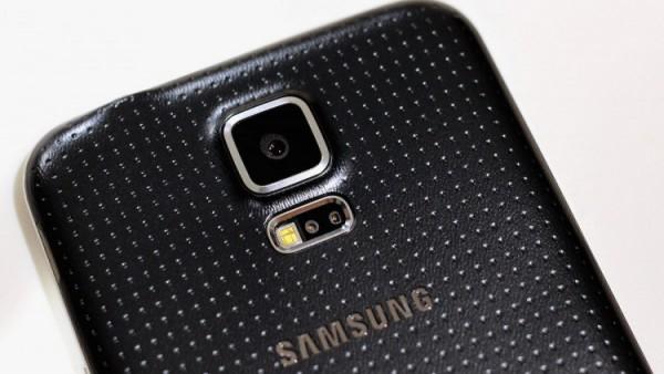 Смартфоны с наибольшим размером фотосенсора