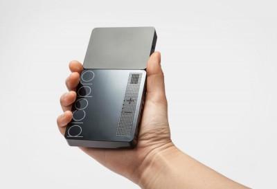 Кинотеатр в кармане: лазерный пико-проектор PicoPro для iPhone и iPad