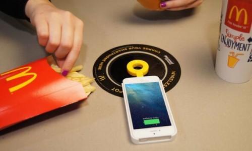 McDonald's внедряет беспроводные зарядные устройства в Европе