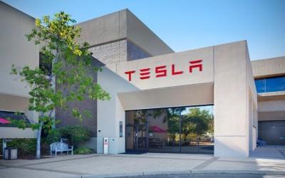 Apple купит Tesla в ближайшие полтора года