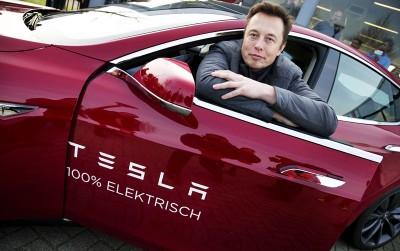 Глава Tesla: Apple переманивает наших специалистов