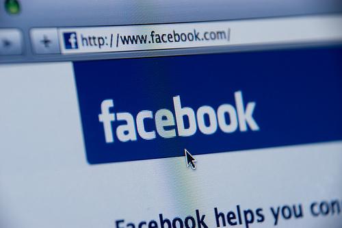 Facebook купил поисковик TheFind
