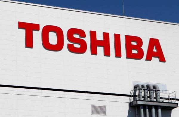 Apple может купить долю в подразделении Toshiba